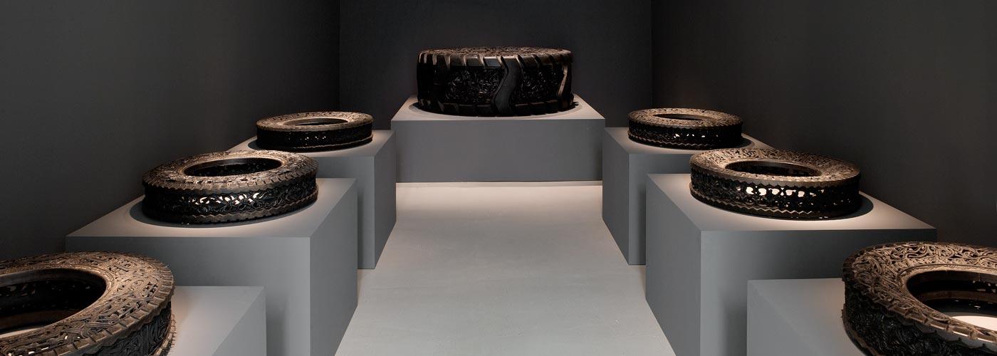 Wim Delvoye at Galerie Perrotin, r. de Turenne, Paris