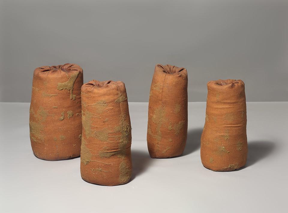 4 rahsb 2 '67, 1967, hessian, sand, resin (4 parts), 36 x 48 x 48 in / 91.4 x 121.9 x 121.9 cm