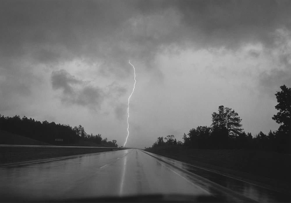 Mark Steinmetz, Lightning Strike, Mississippi, 1994. © Mark Steinmetz, Courtesy of the Artist and Yancey Richardson Gallery