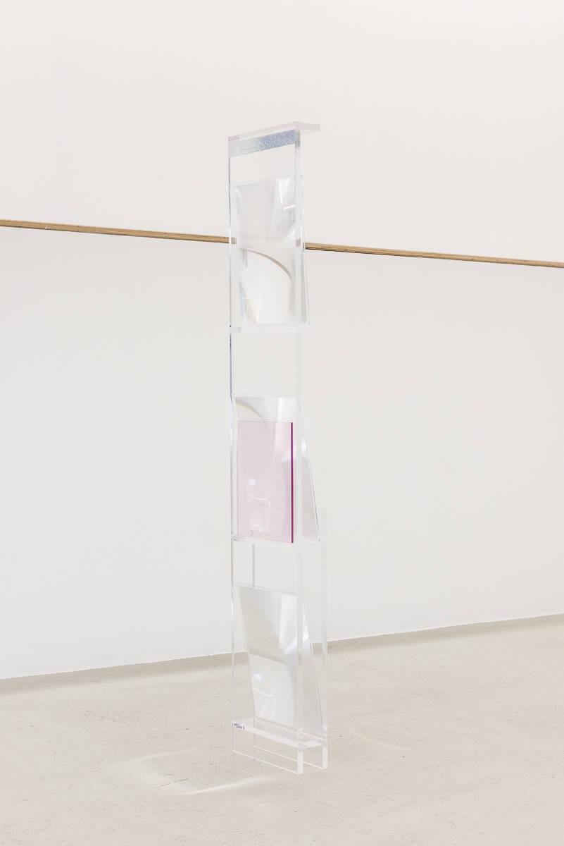 ANNE VIEUX, spacer, 2017. Acrylic, lenticular lens, holographic foil 123 x 24 x 7.6 cm (48 13/16x 9 7/16 x 3) Unique