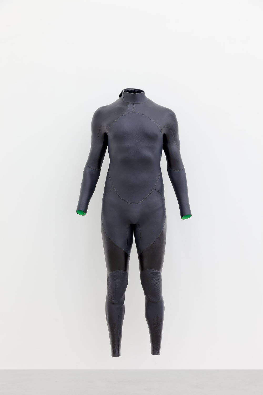 Alex Israel, Self-Portrait (Wetsuit), 2017. Acrylic on aluminum 140 x 61 x 45,7 cm 55 1/8 x 24 x 18 inches © Alex Israel - Photo: Zarko Vijatovic. Courtesy of the Artist and Almine Rech Gallery