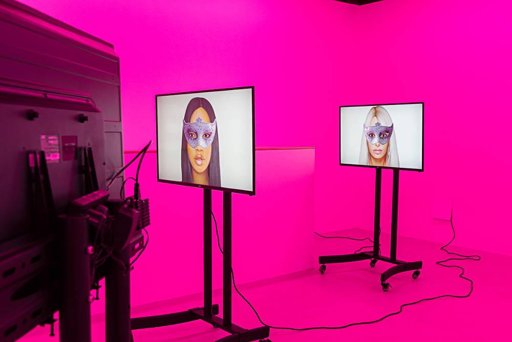 Annka Kultys Gallery Mediengruppe Bitnik 4