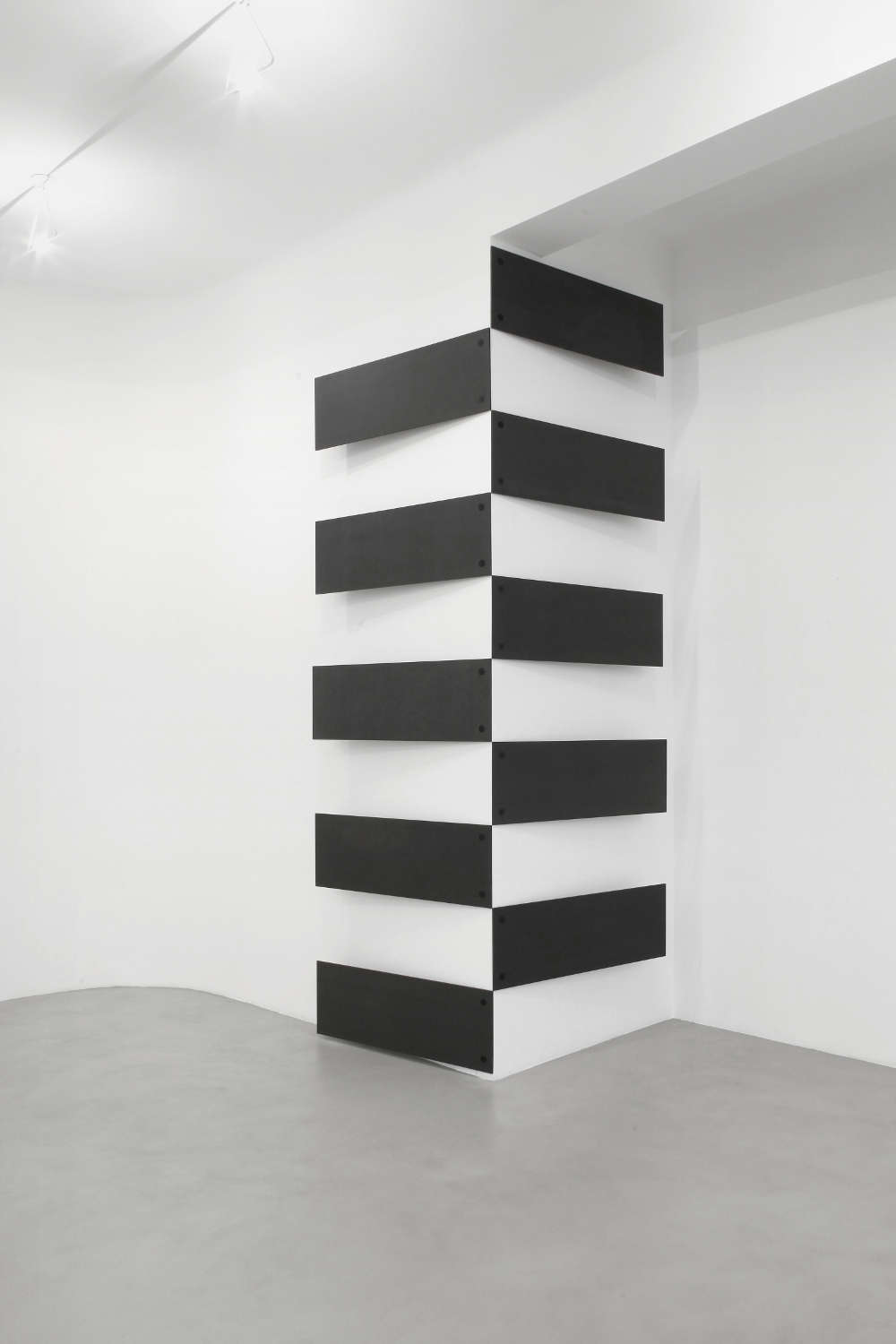 Lesley Foxcroft, Stacked (vertical corner), 2017. Black M.D.F., 350x210x17 cm