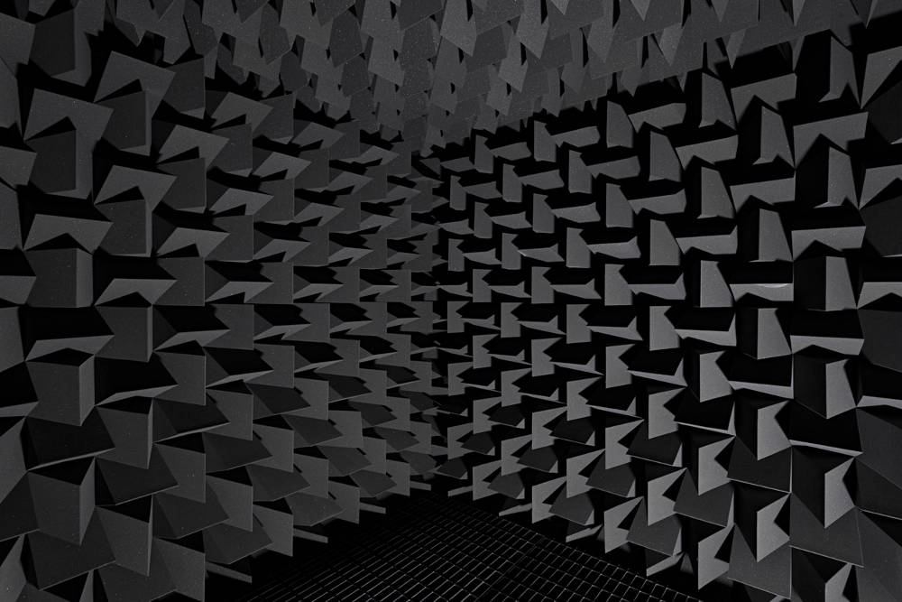 Haroon Mirza hrm199, Chamber for Endogenous DMT (Collapsing the Wave Function), 2017