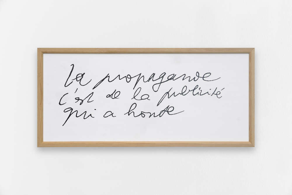 Taroop & Glabel, La propagande..., 1996. Vénalyne on plywood 15 x 33.5 in. / 38 x 85 cm