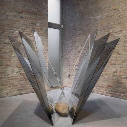 Jose Dávila: Newton's Fault @König Galerie, Berlin  - GalleriesNow.net
