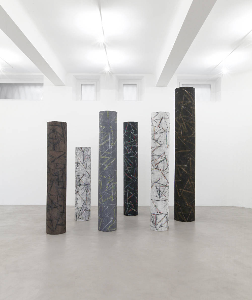 Carlo Ciussi, Colonna, 1996. Oil and mixed media on canvas, dimensions variable © A arte Invernizzi, Milan. Photo Bruno Bani, Milan