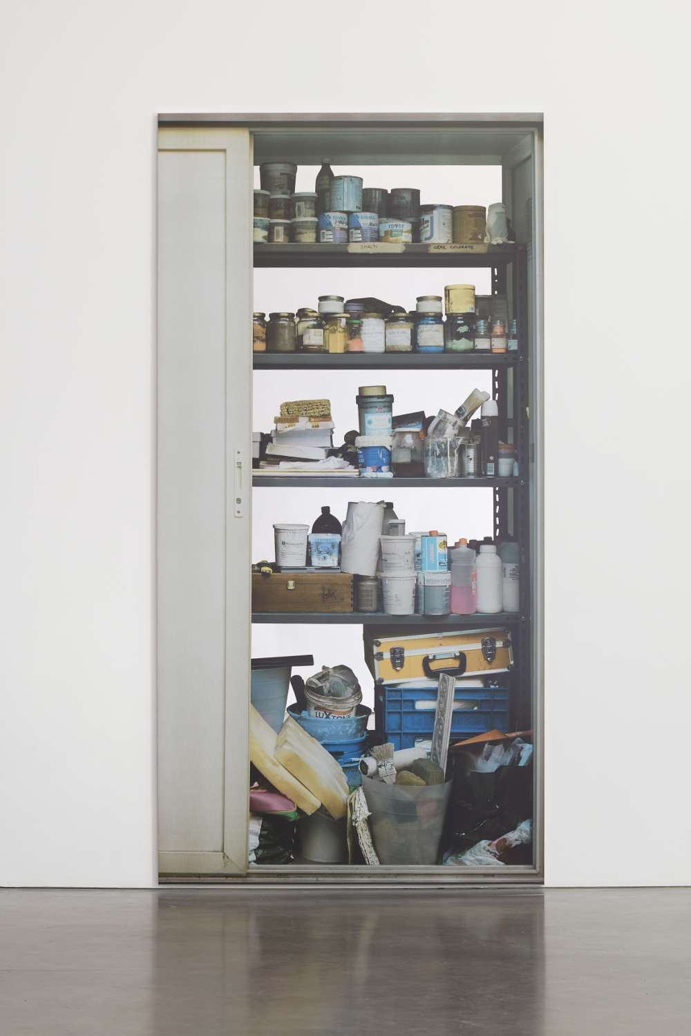 Michelangelo Pistoletto, Scaffali - con porta a sinistra (Shelves – with a door to the left), 2015. Silkscreen on super mirror polished stainless steel 250 x 125 cm (98 3/8 x 49 1/4 in.)