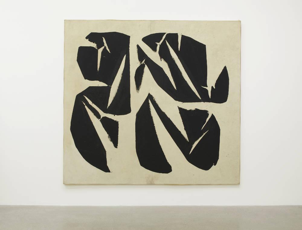 Simon Hantaï, Meun GB25, 1968. Oil on canvas 83 7/8 x 90 1/2 in | 213 x 230 cm ©Estate of Simon Hantaï. Courtesy Timothy Taylor London/New York.