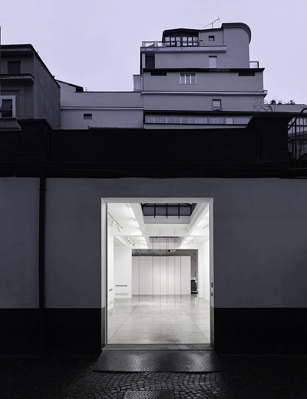Cardi Gallery Milan Fred Sandback 5