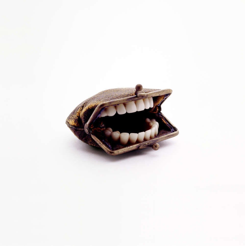 Nancy Fouts, Purse With Teeth, 2010 (c) Nancy Fouts, Courtesy of Flowers Gallery