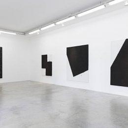 Lee Bae: Black Mapping @Perrotin, r. de Turenne, Paris  - GalleriesNow.net
