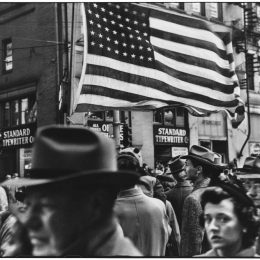 Elliott Erwitt: Pittsburgh 1950 @International Center of Photography (ICP) Museum, New York  - GalleriesNow.net