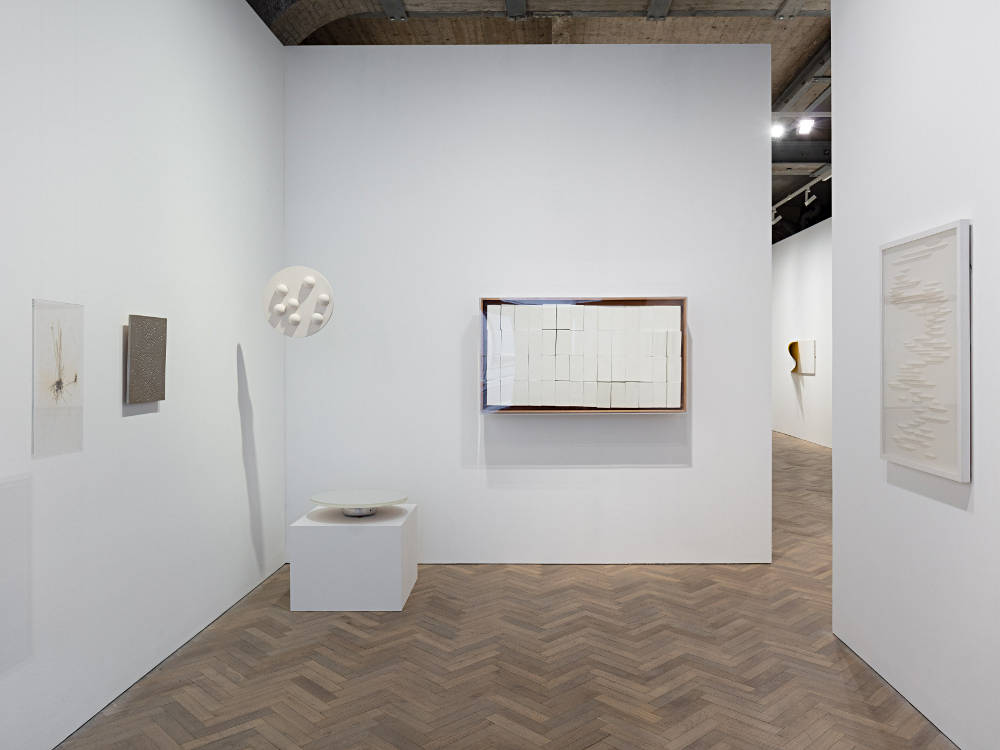 Thomas Dane Gallery Signals with kurimanzutto 7