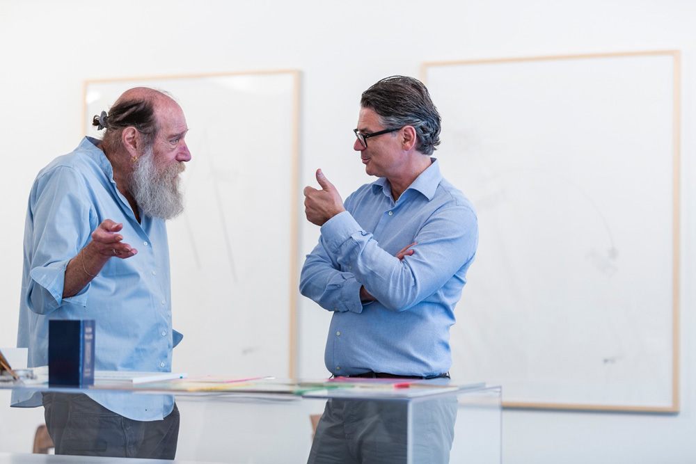 photo of Lawrence Weiner and Victor Gisler, Mai 36