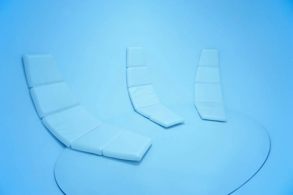 Johannes Girardoni, Interior, Metaspace V3, 2013/2018. Aluminium, fiberglass, resin, wood, LEDs, and sensors with Spectro-Sonic Refrequencer 108 x 168 x 108 inches (274.3 x 426.7 x 274.3 cm) © Johannes Girardoni Studio