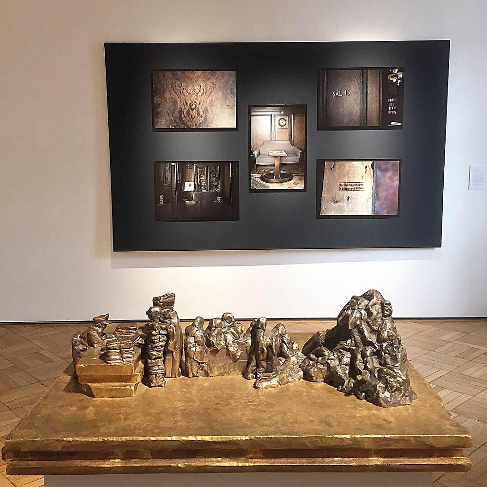 Galerie Ernst Hilger Wie banal ist das Bose 3