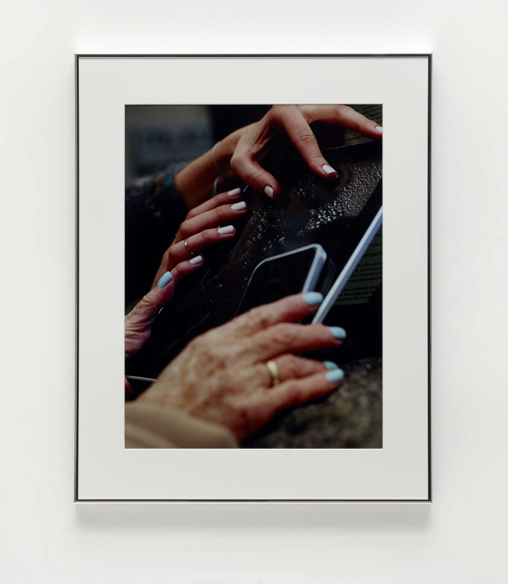Josephine Pryde, Four Hands on a Slab, 2016/2018. C-print 79.2 x 62.7 cm (31 1/8 x 24 3/4 in.) Courtesy of the artist and Simon Lee Gallery.