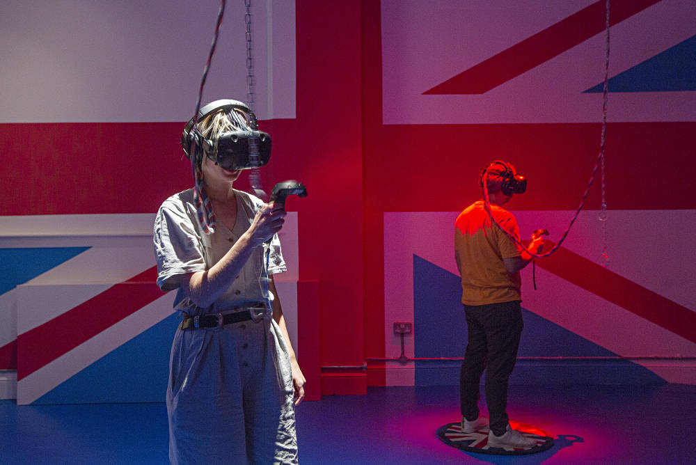 Rachel Maclean, I'm Terribly Sorry, 2018. Virtual reality installation. Produced in collaboration with Werkflow. Commissioned in partnership with Arsenal Contemporary. Courtesy the artist and Zabludowicz Collection. Photo: David Bebber