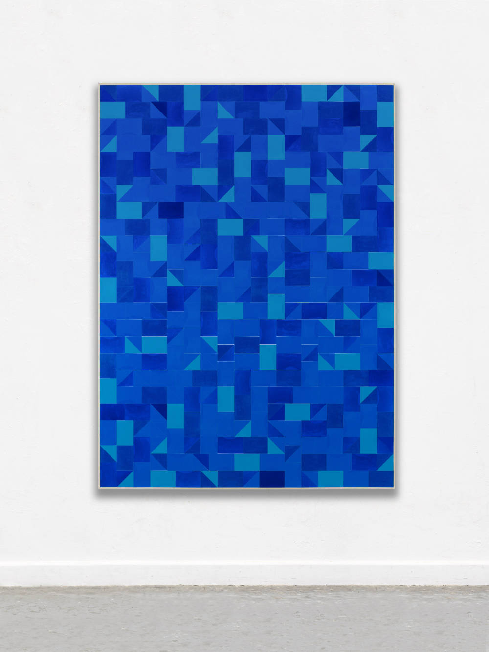 Gregor Hildebrandt, Ins Blaue, 2018. Cut vinyl records, acrylic, canvas, wood 192 x 140 cm, 75.6 x 55 in. Courtesy of the artist and Perrotin.