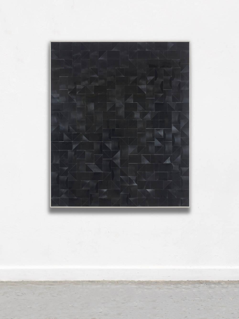 Gregor Hildebrandt, Kleines Feld, 2018. Cut vinyl records, canvas, wood 154 x 130 cm, 60.6 x 11.8 in. Courtesy of the artist and Perrotin.