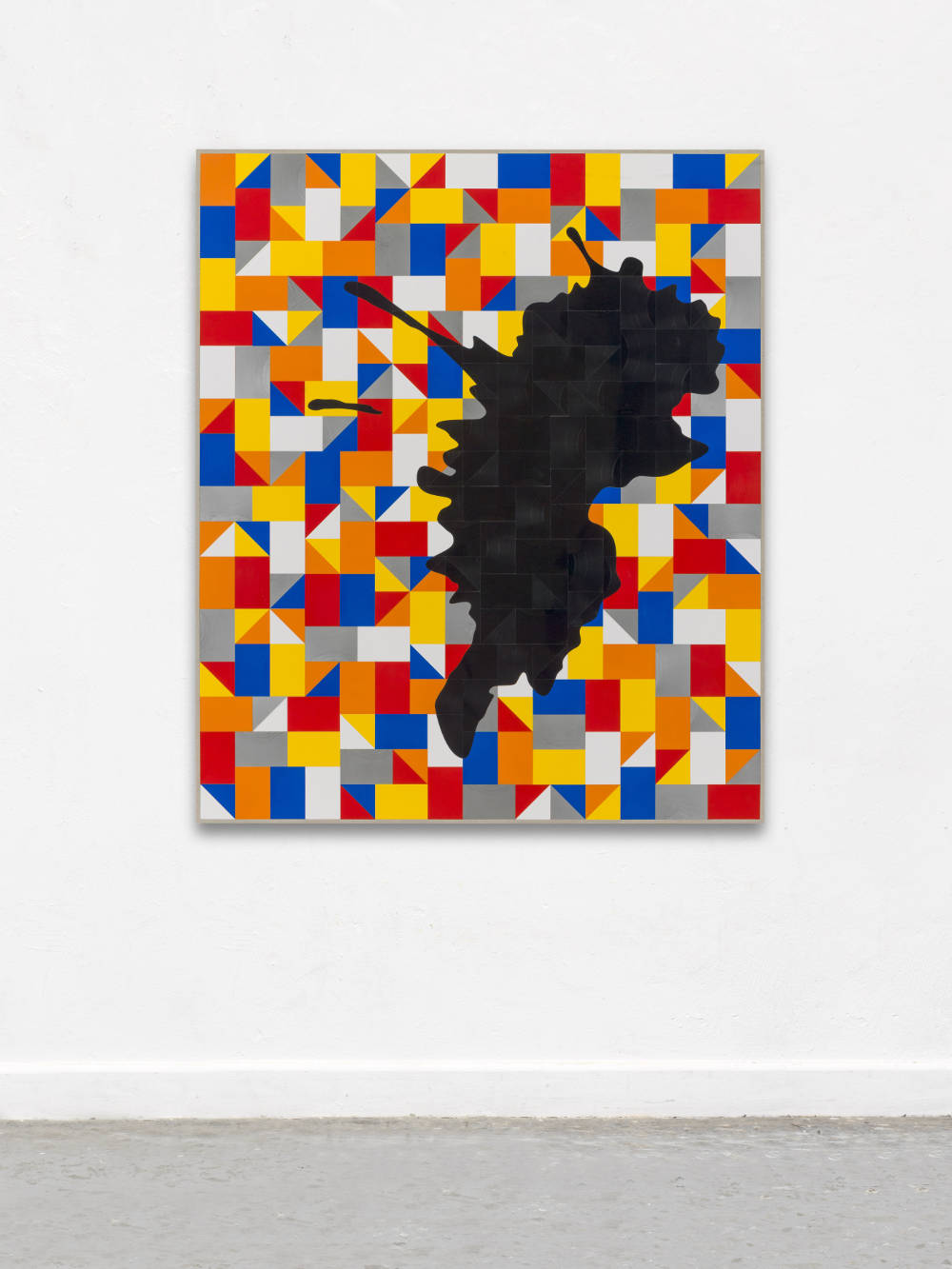 Gregor Hildebrandt, And I laugh as I drift in the wind (schwarze Sound Explosion), 2018. Cut vinyl records, acrylic, canvas, wood 154 x 130 cm, 60.6 x 11.8 in. Courtesy of the artist and Perrotin.