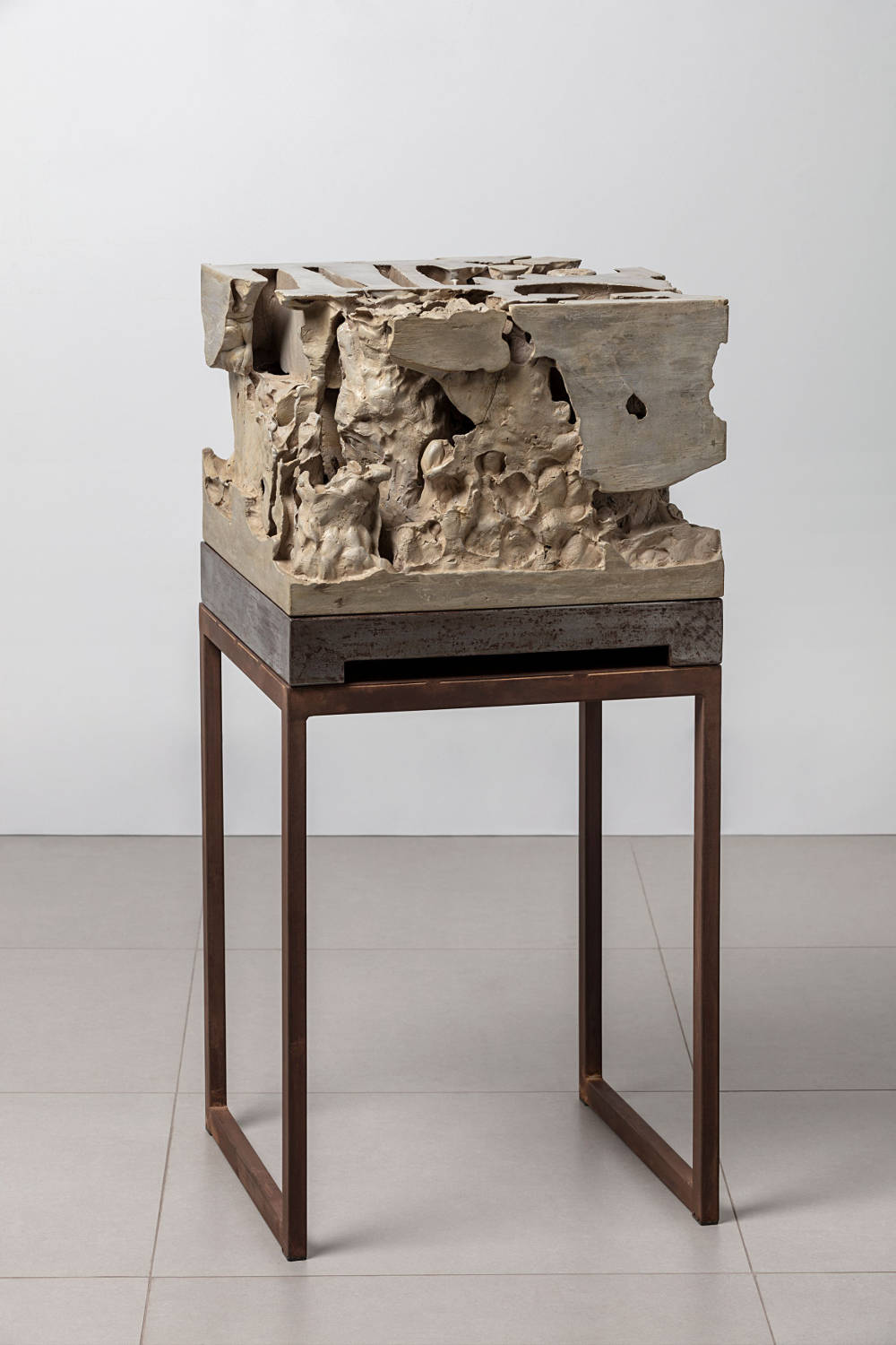 Anna Maria Maiolino, Untitled, from Da Terra series - Errância Poética (From the Earth series - Poetic Wanderings), 2018. Mortar and varnish coating on metal table 30 x 45 x 44 cm / 11 3/4 x 17 3/4 x 17 3/8 inches © Anna Maria Maiolino. Courtesy the artist and Hauser & Wirth. Photo: Everton Ballardin