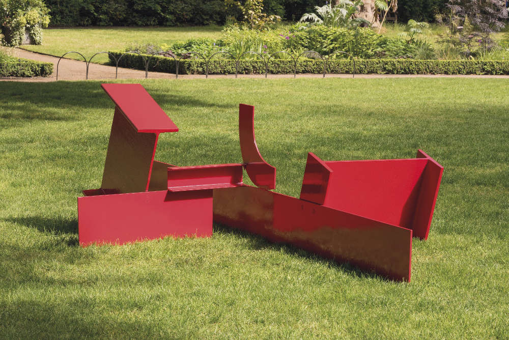 Anthony Caro, London, 1966. Painted steel 105.5 x 376 x 206 cm © the Artist. Courtesy Annely Juda Fine Art, London