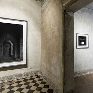 Hiroshi Sugimoto: The First Encounter. Italy through eyes of Hiroshi Sugimoto and Tenshō Embassy @Galleria Continua San Gimignano, Siena  - GalleriesNow.net