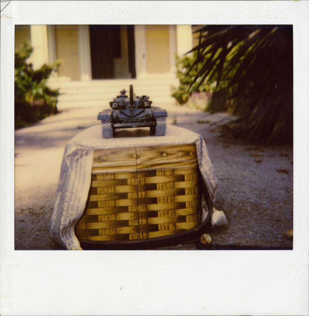 Richard Artschwager, Photograph of a tank. Polaroid photograph © 2019 Richard Artschwager / Artists Rights Society (ARS), New York. Courtesy Gagosian.