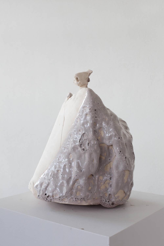 Erwin Wurm, The Noser, 2018. Ceramic, glaze 47 x 36 x 40 cm