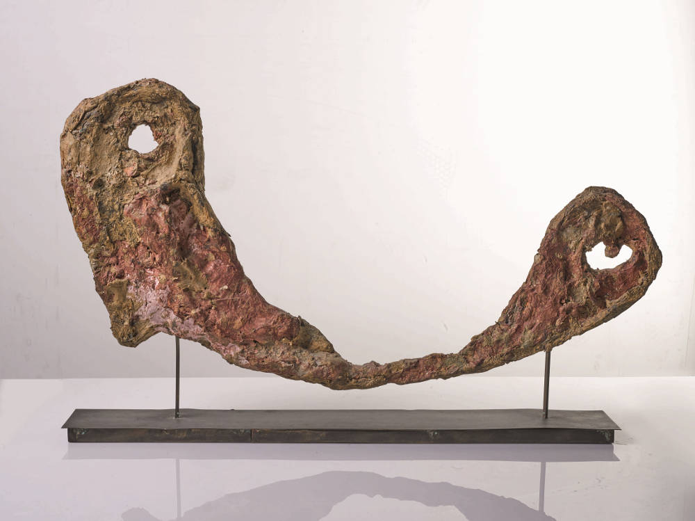 Franz West, Skulptur, 1986. Papier-mâché, partly painted on iron stand 45 by 83 by 10 cm (17 11/16 by 32 11/16 by 3 1/4 in.)