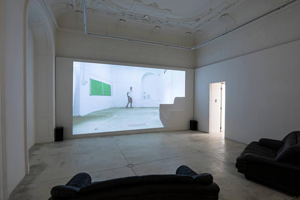 Galerie Krinzinger Erik Van Lieshout 2