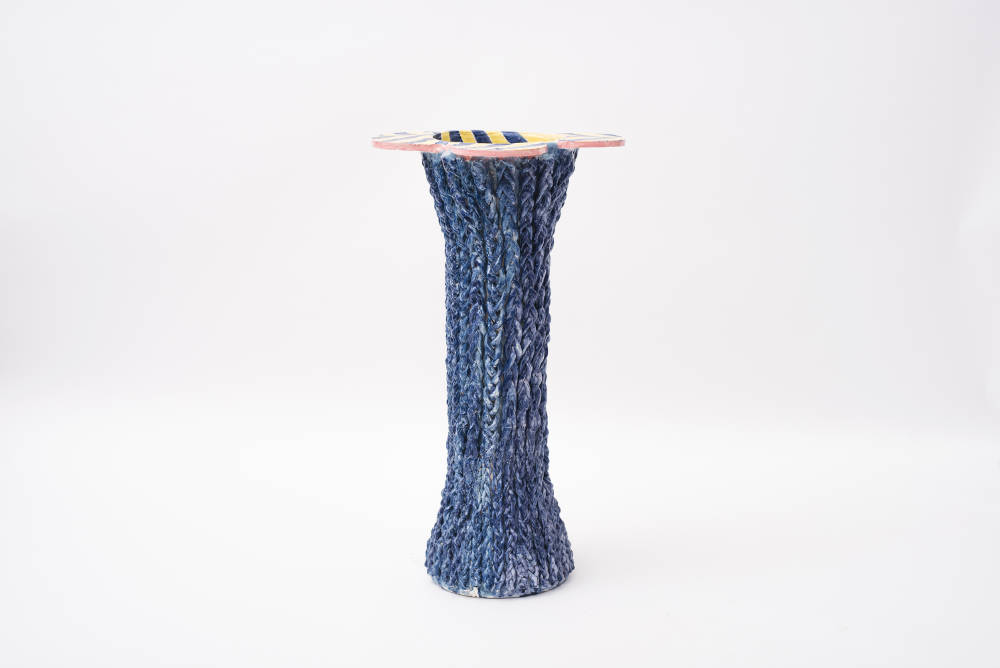 Milena Muzquiz, Laguna, 2018. Lacquered ceramic H84 x L46.5 x D46 cm / H33.1 x L18.3 x D18.1 in. Courtesy of David Gill Gallery