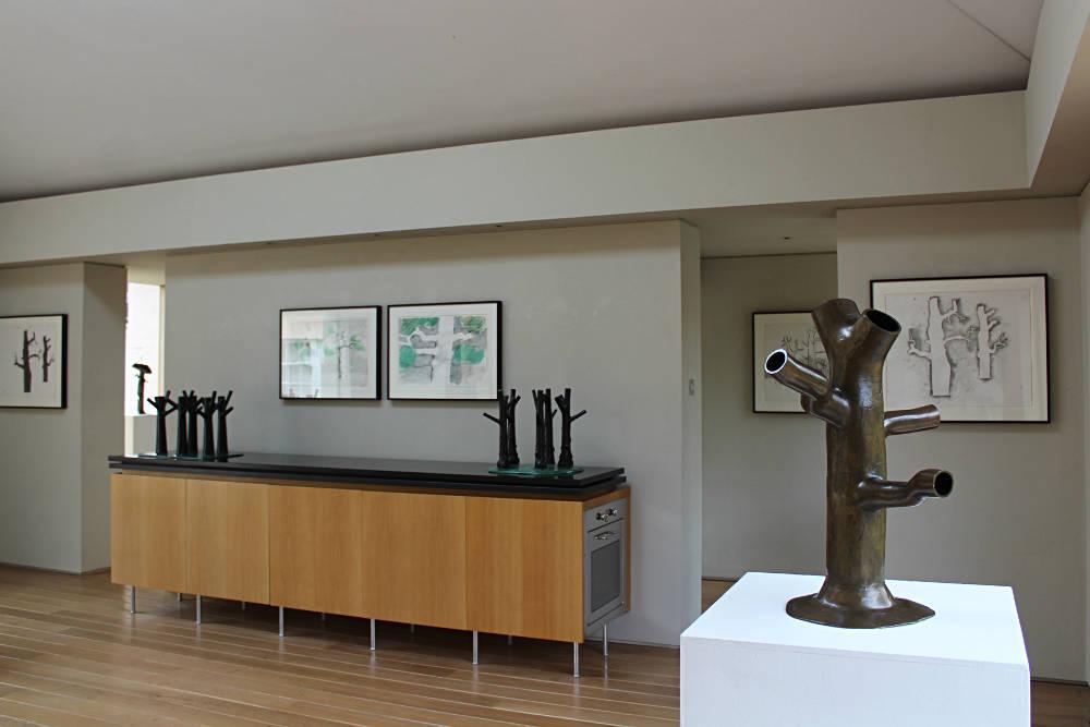 New Art Centre Kenneth Armitage 3