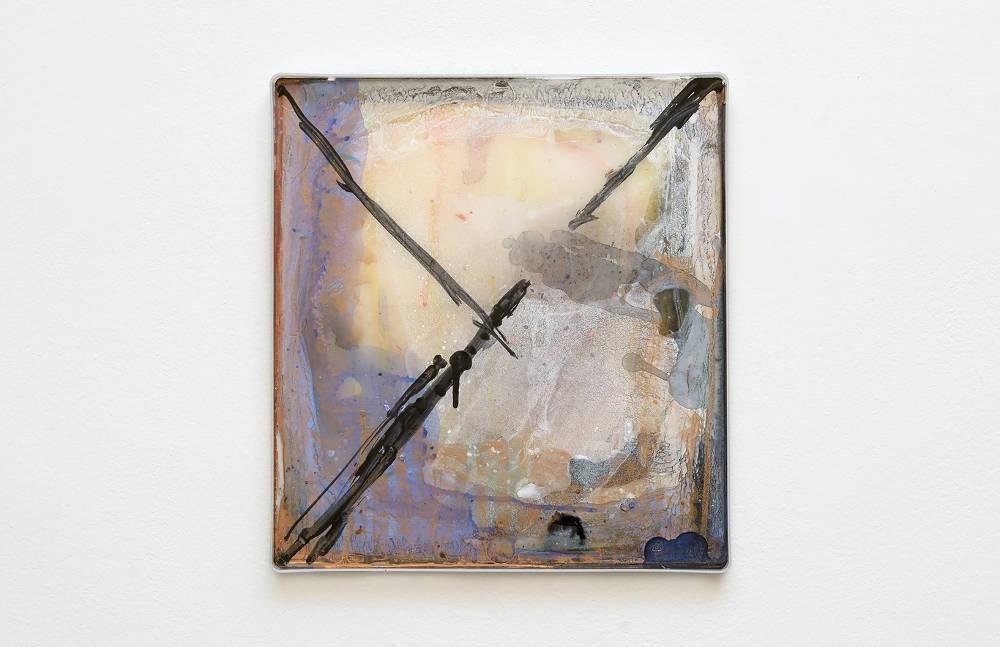 Hayley Tompkins, Digital Light Pool CXXXV, 2019, acrylic paint, plastic tray, 32 x 34 x 2.5 cm, 12 5/8 x 13 3/8 x 1 ins. Photo: Robert Glowacki. © Hayley Tompkins. Courtesy the artist, Modern Art, London & The Modern Institute, Glasgow