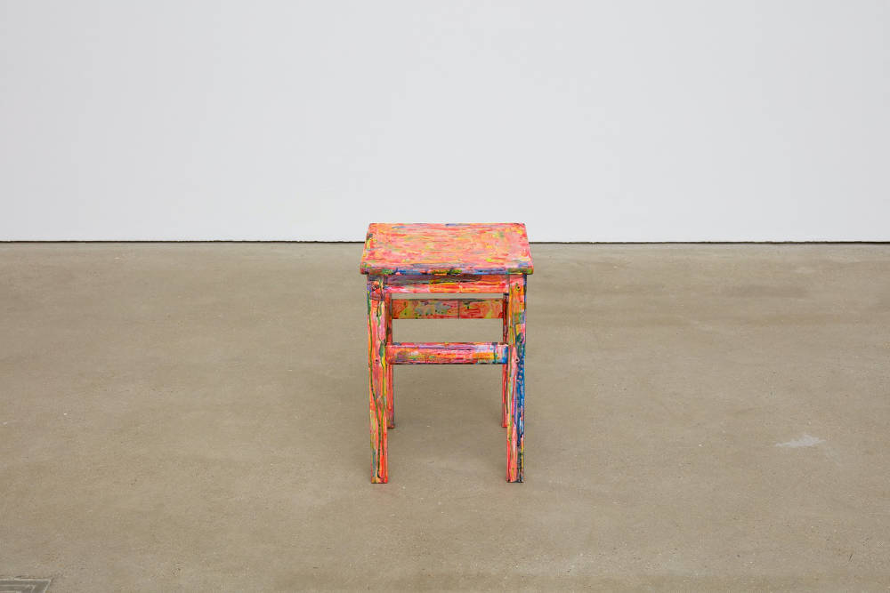 Hayley Tompkins, LB, 2018, acrylic paint on wood, 44.5 x 32 x 32.3 cm, 17 1/2 x 12 5/8 x 12 3/4 ins. Photo: Robert Glowacki. © Hayley Tompkins. Courtesy the artist, Modern Art, London & The Modern Institute, Glasgow