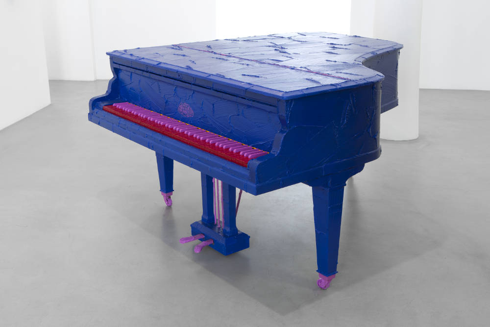 BertrandLavier, Erard, 2019. Acrylic paint on a piano 99,5x148x180cm ©ADAGPBertrandLavier. Photo:archiveskamelmennour. Courtesytheartist and kamelmennour,Paris/London