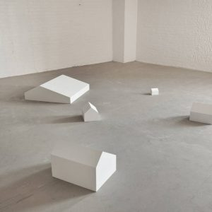 Joel Shapiro: Plaster Sculptures 1971-2014. Part II @Craig F. Starr Gallery, New York  - GalleriesNow.net