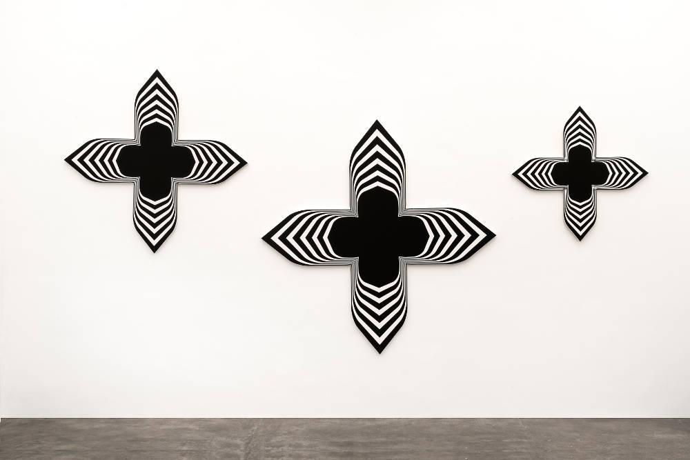Philippe Decrauzat, Black Paintings (triptych), 2008. Acrylic paint on canvas 198 x 198 cm, 155 x 155 cm, 113 x 113 cm. Photo © Nei Toledo. Courtesy of the artist and Galeria Nara Roesler