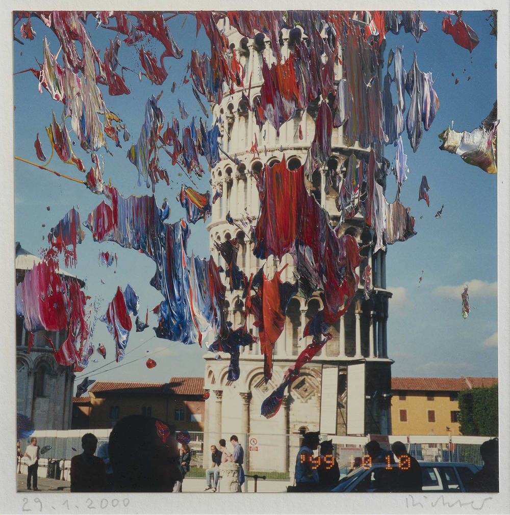 Gerhard Richter, Firenze (29.1.2000), 2000. Oil on colour photograph 4 3/4 x 4 3/4 in 12 x 12 cm © Gerhard Richter 2019 (10042019). Photo: Lucy Dawkins. Courtesy Gagosian