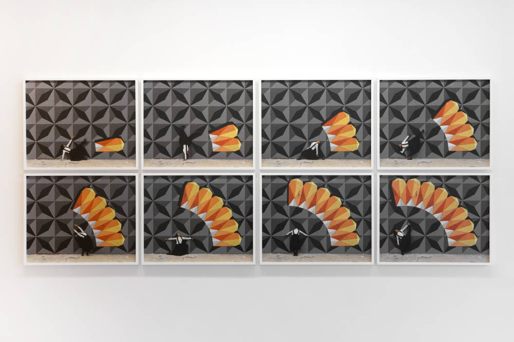 RobinRhode, Mandala, 2018. C-prints. Overall: 122x305cm. Each: 56x70cm ©RobinRhode. Photo:archiveskamelmennour. Courtesytheartistandkamelmennour,Paris/London