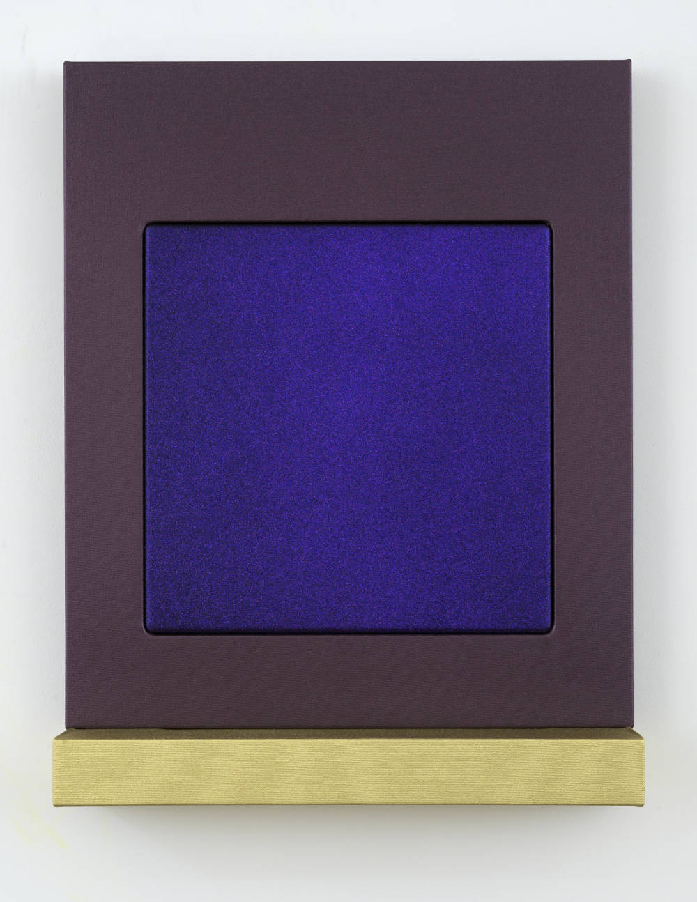 Sylvie Fleury, Private shadow - Camera Obscura, 2018. Acrylic on canvas on wood 7 kgs 72 x 56 x 14,8 cm (28,35 x 22,05 x 5,83 in) Courtesy Galerie Thaddaeus Ropac, London / Paris / Salzburg © Sylvie Fleury. Photo: Charles Duprat