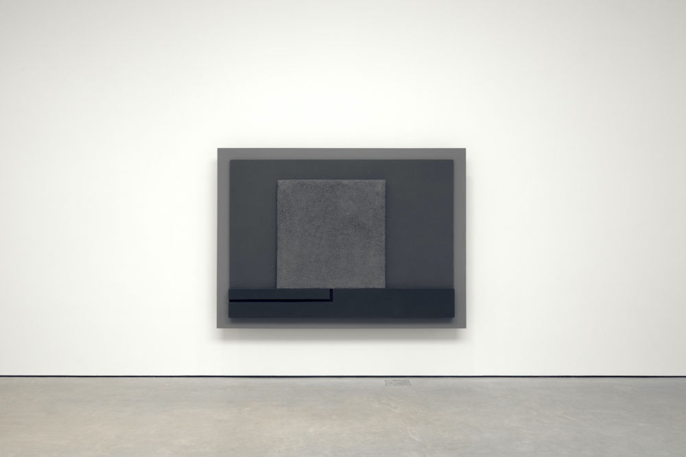 Peter Halley, Cell with Conduit, 1994, cast fibreglass relief on steel armature and extended cleats, spray-painted in shade of grey using black and white golden acrylic gesso, 175.5 x 244 x 12.3 cm, 69 1/8 x 96 1/8 x 4 7/8 ins. Photo: Robert Glowacki. © Peter Halley. Courtesy the artist & Modern Art, London
