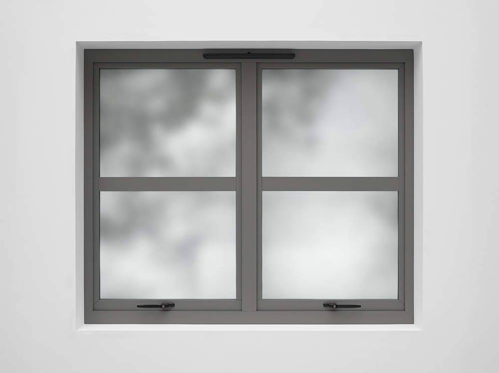 Ryan Gander, View from the studio window (28th February 2018), 2018. HD screens, PC, plywood, steel, acrylic, window frosting, paint, window fixtures 122.5 x 145.9 x 33 cm 48 1/8 x 57 3/8 x 12 7/8 in © Ryan Gander. Courtesy Lisson Gallery