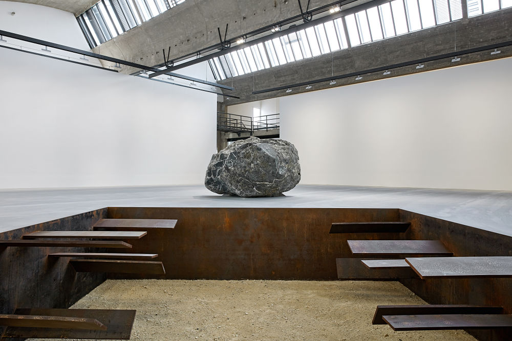 Gagosian Le Bourget Michael Heizer 1