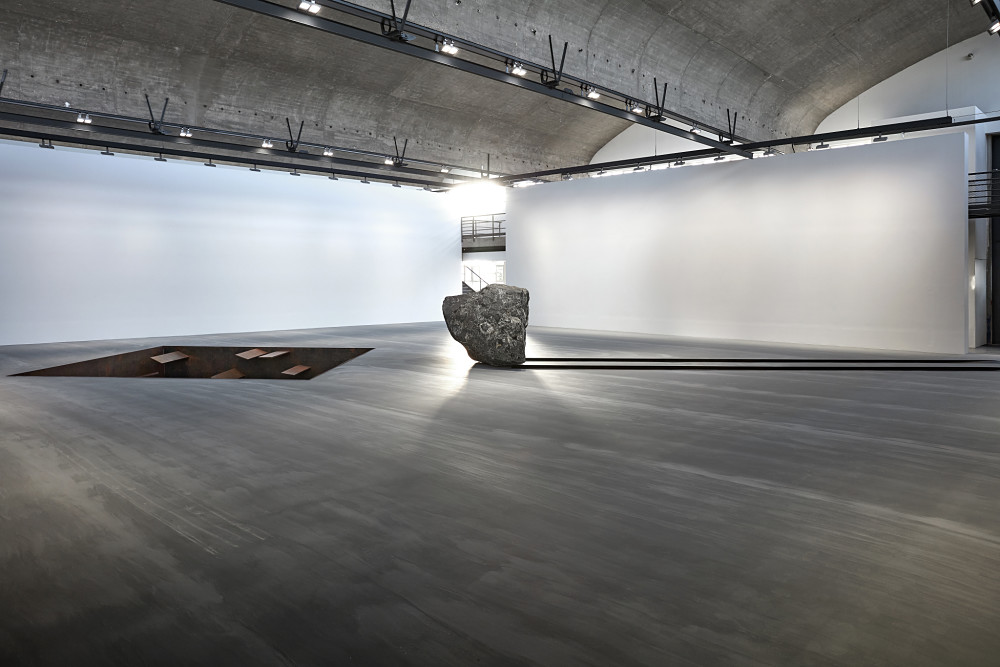 Gagosian Le Bourget Michael Heizer 2
