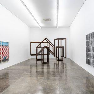 Raul Mourão: Introdução à teoria dos opostos absolutos @Galeria Nara Roesler São Paulo, São Paulo  - GalleriesNow.net