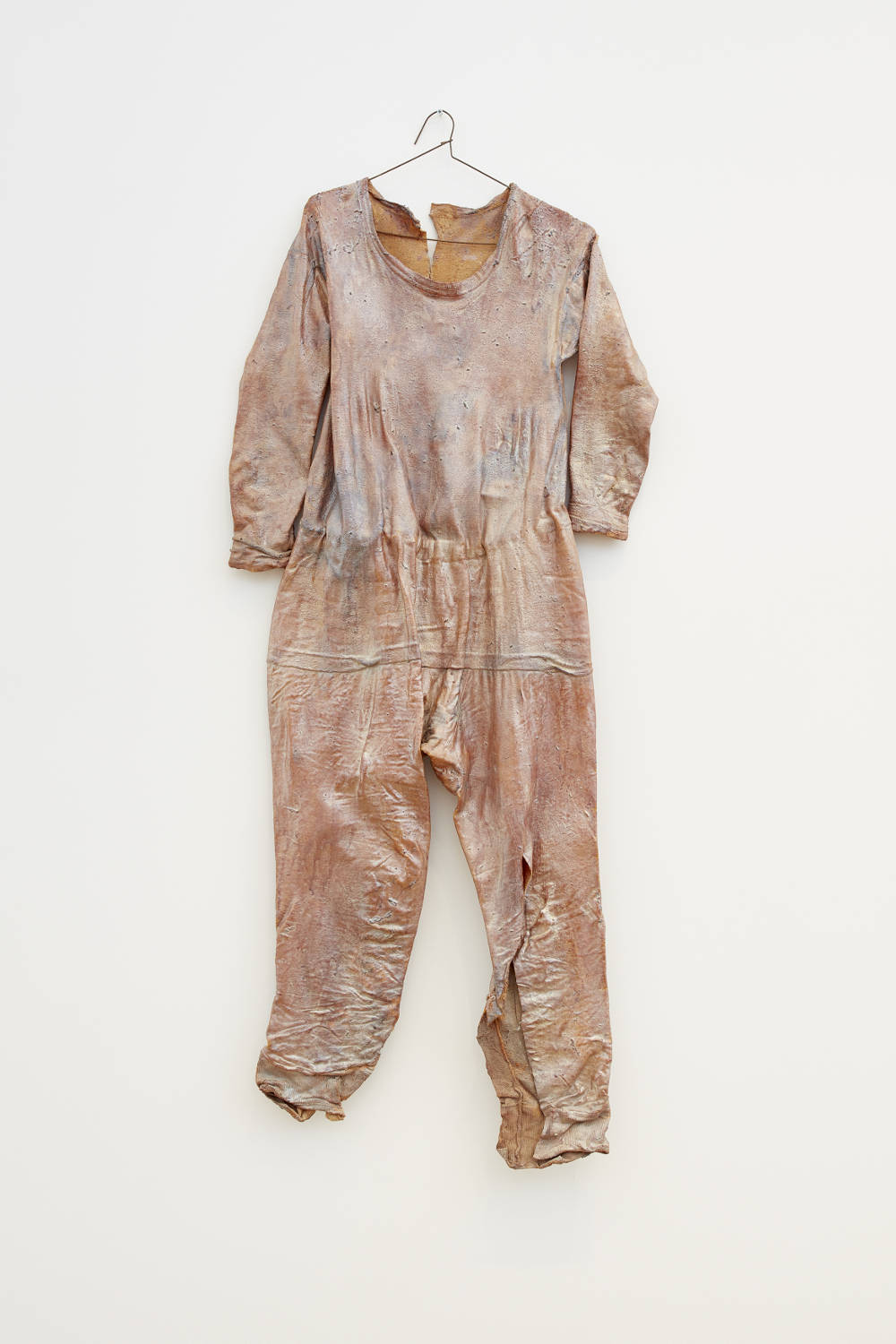 Heidi Bucher, Der Schlüpfakt der Parkettlibelle (The hatching of the parquet dragonfly), 1983. Textile garment, latex, and mother of pearl pigment 51.18 x 41.34 inches (furled) 130 x 105 cm. Photo: Matthew Herrmann © The Estate of Heidi Bucher. Courtesy the artist and Lehmann Maupin, New York, Hong Kong, and Seoul
