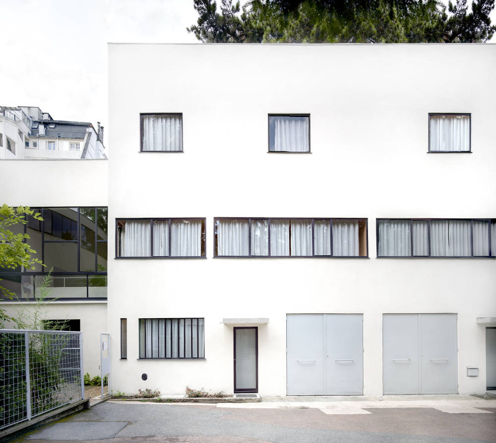 Candida Höfer, Maison La Roche (Le Corbusier) Paris I 2018, 2018. Image Dimensions: 180 x 196.6 cm (70.87 x 77.4 inches) Framed Dimensions: 185 x 201.6 cm (72.83 x 79.37 inches) Edition 2 of 6. Courtesy of the artist & VNH Gallery © Candida Höfer